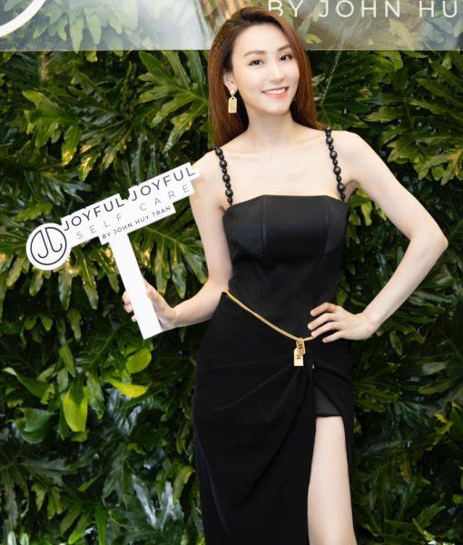 Đầm dạ hội đen thiết kế hai dây xẻ tà quyến rũ - D572