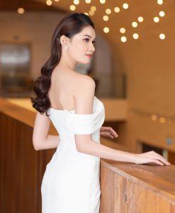 Đầm dạ hội trắng trễ vai xẻ đùi cao sang trọng - D587