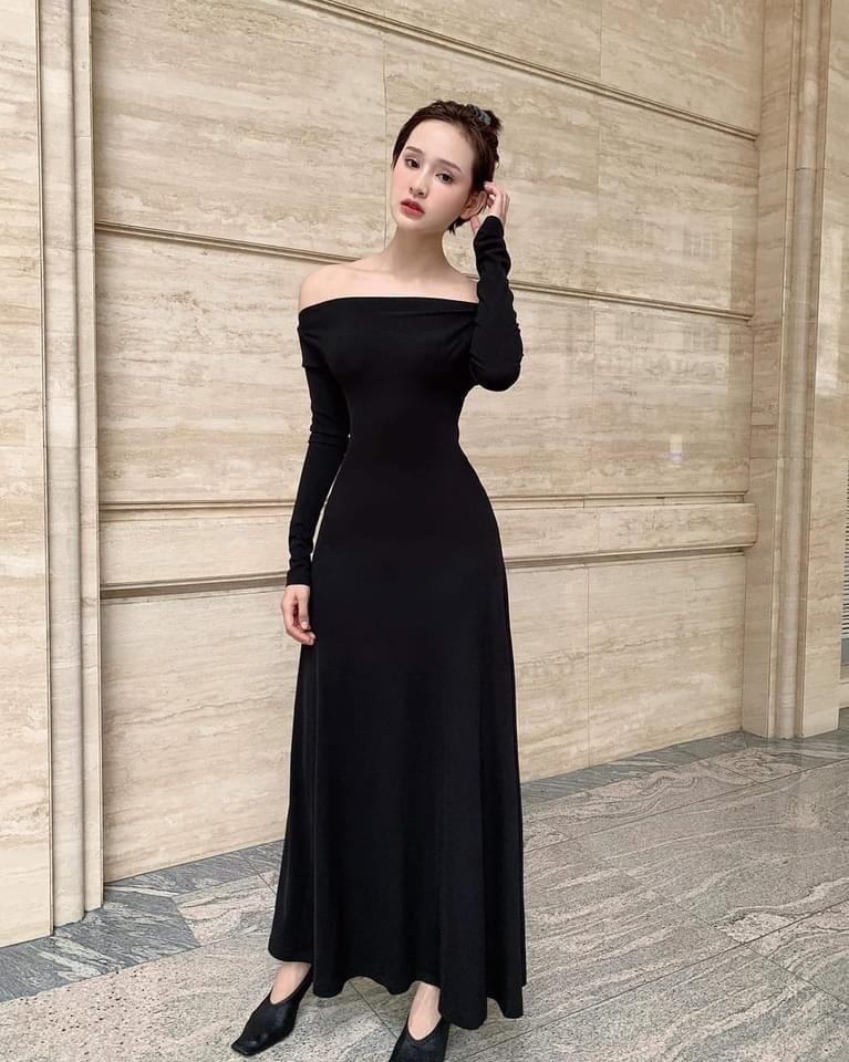 Váy dạ tiệc dài tay hở lưng thiết kế dáng xoè - D574