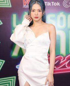 Đầm dạ hội trắng tay dài 1 bên hai dây sexy - D596