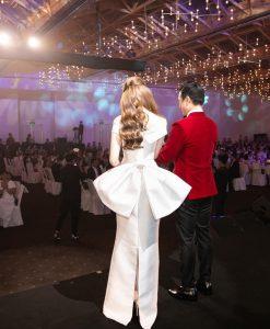 Đầm dạ tiệc trắng thiết kế nơ sau sang chảnh - D599